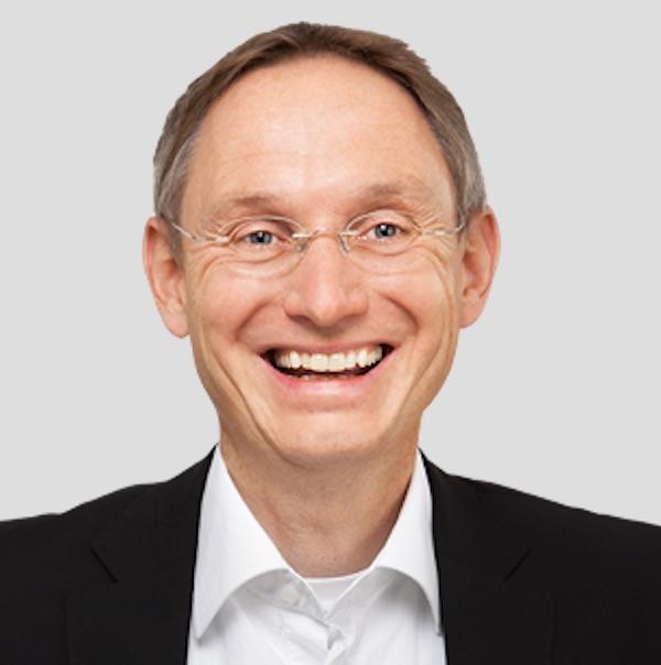 Thomas-Witt-lachend